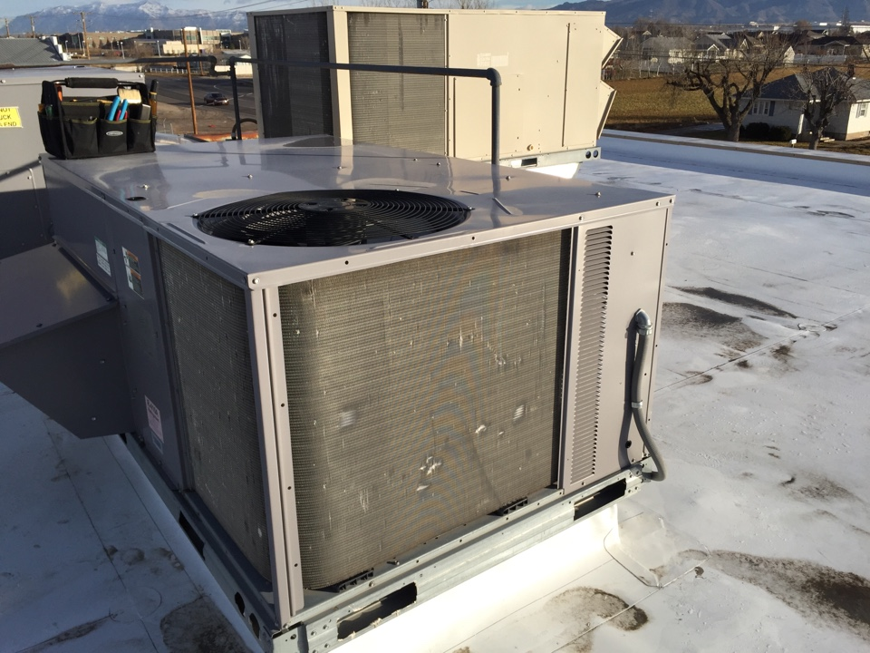 Syracuse, UT - Roof top commercial unit, tune up, filter replacements, maintenance.