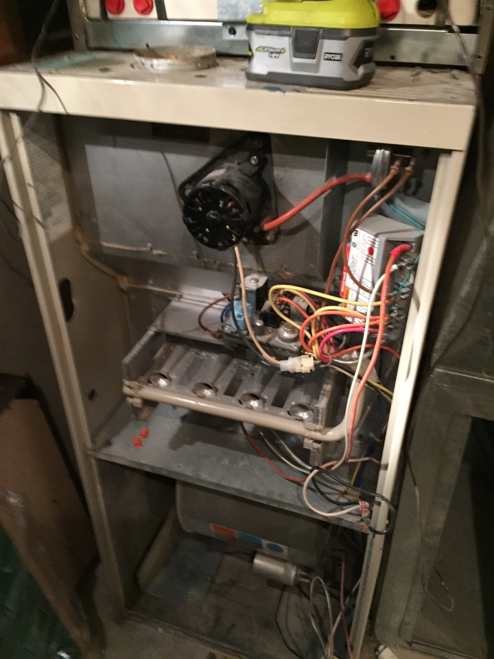 Draper, UT - Replacement of a Lennox Lennix 80% furnace with the American Standard multistage furnace.