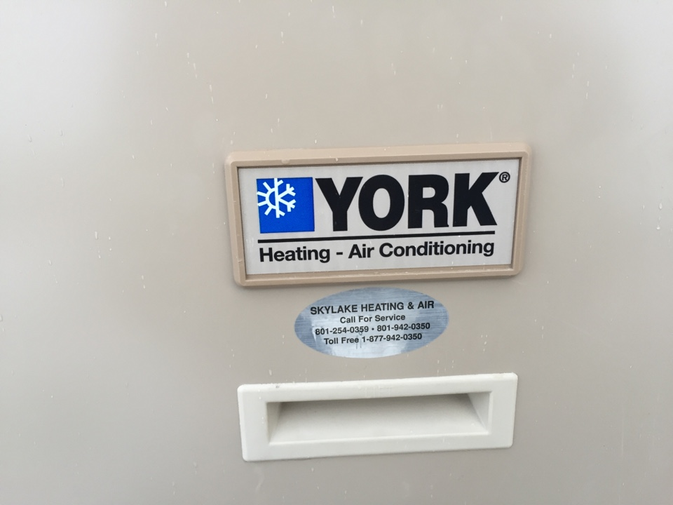 Herriman, UT - Replacing existing York furnace with a 95% efficient American Standard furnace