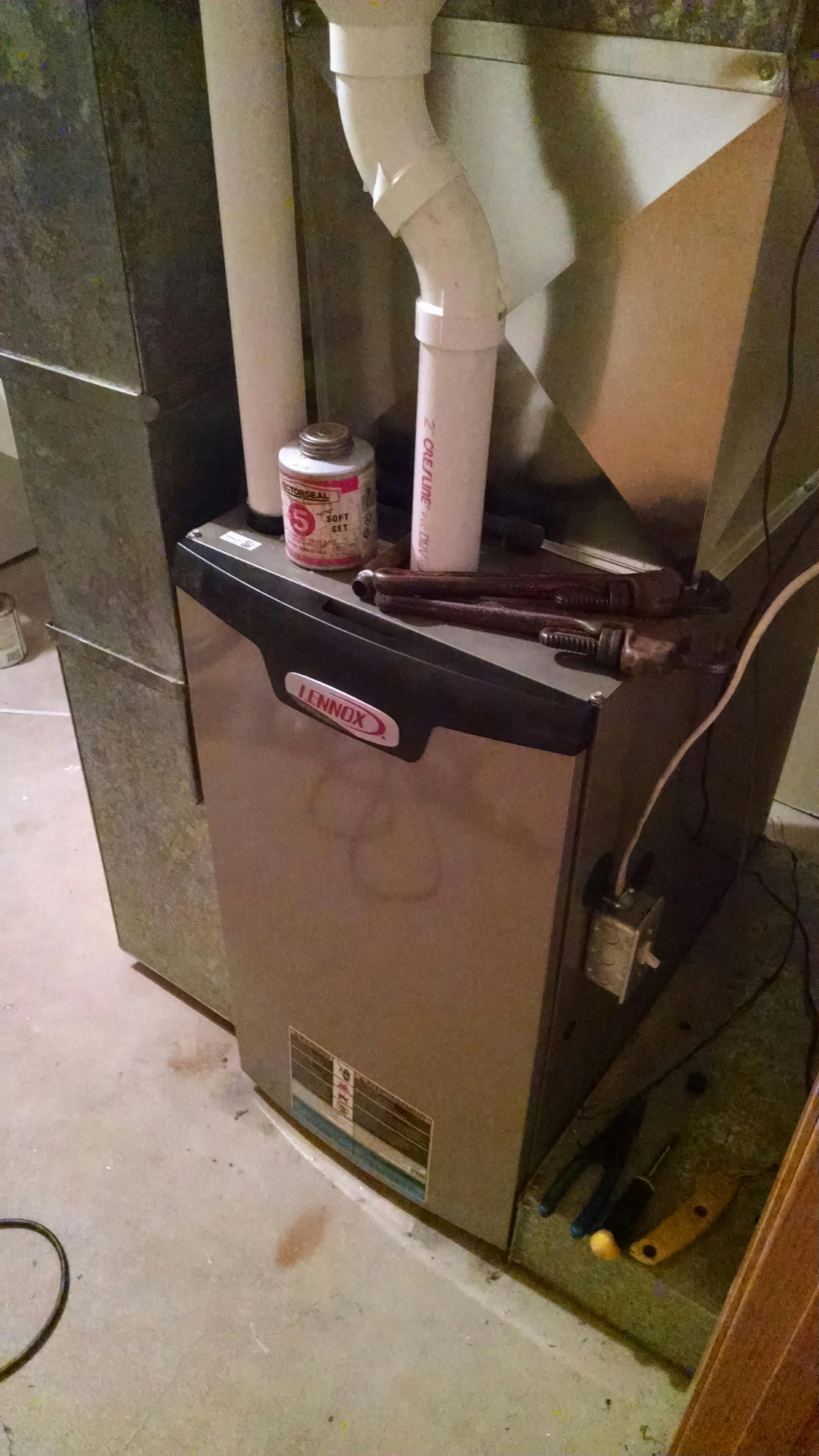 Altoona, WI - Installing new Lennox furnace
