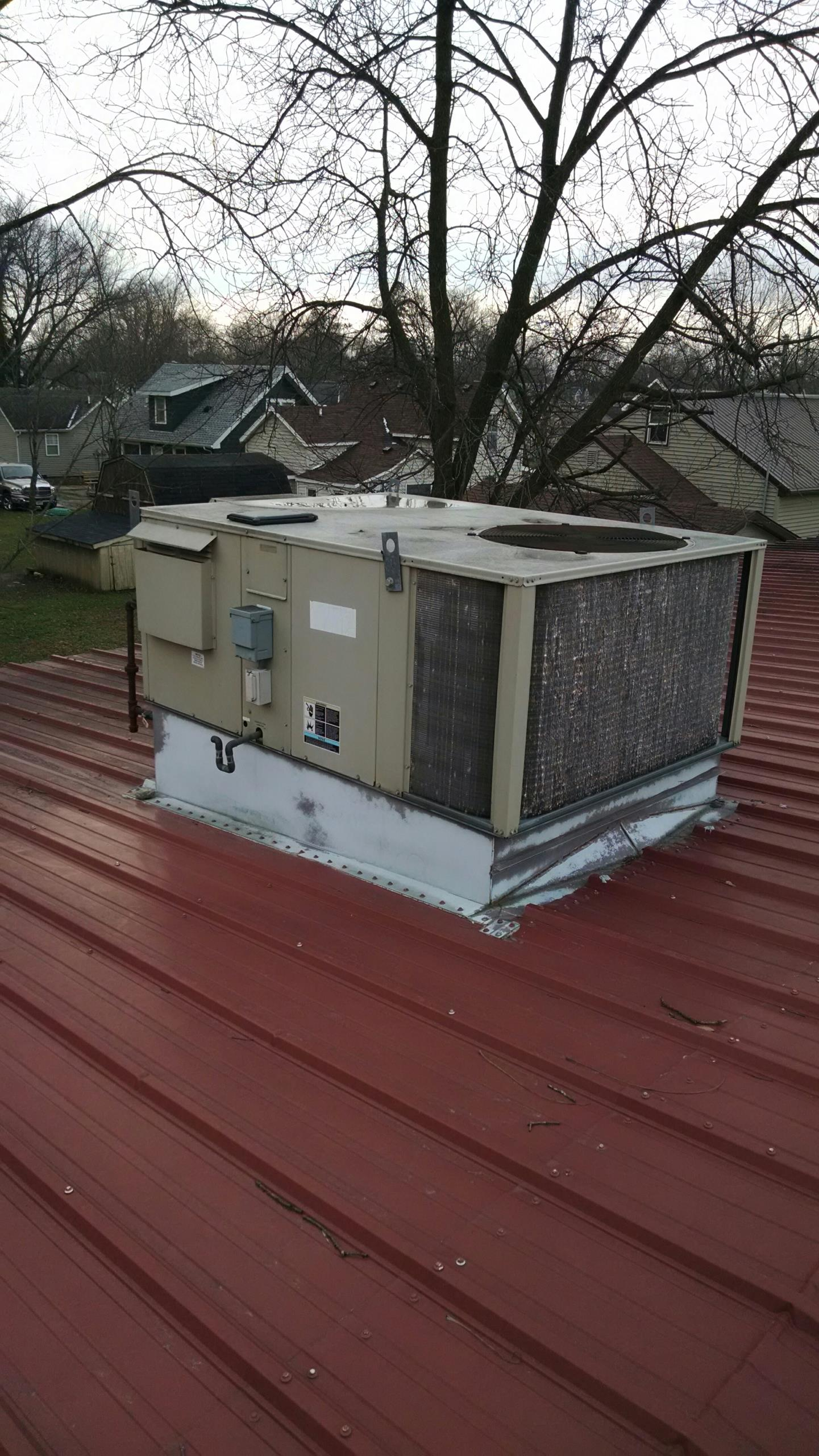 Pepin, WI - Repairing commercial rooftop heating and cooling units