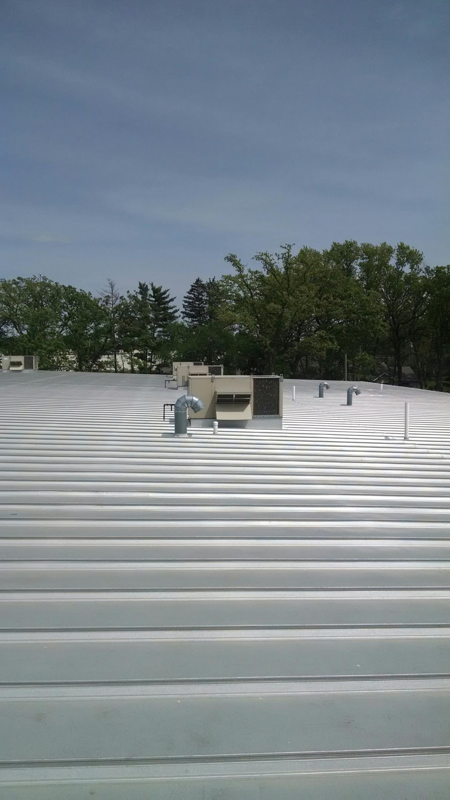 Eau Claire, WI - Checking rooftop unit