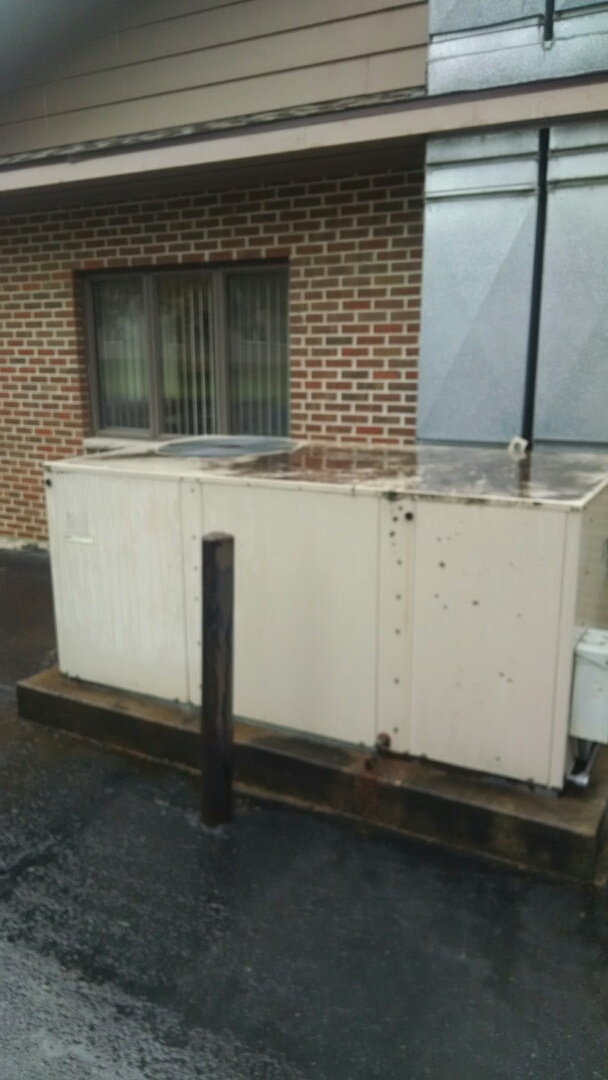 Mondovi, WI - Repaired rooftop unit