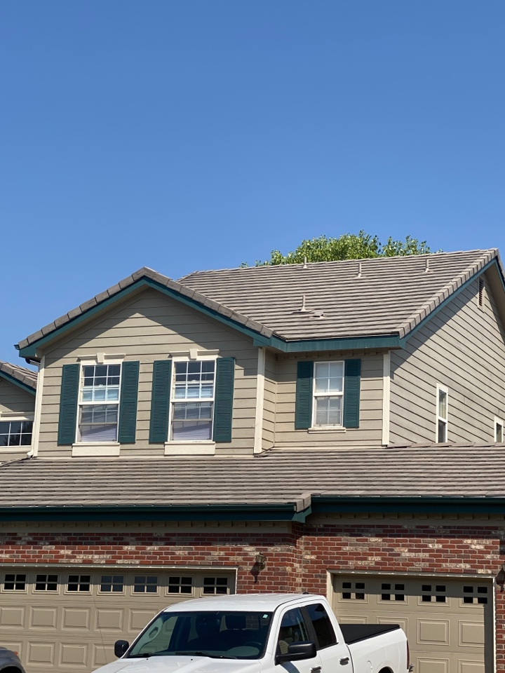 Thornton, CO - Residential tile roof replacement due to age