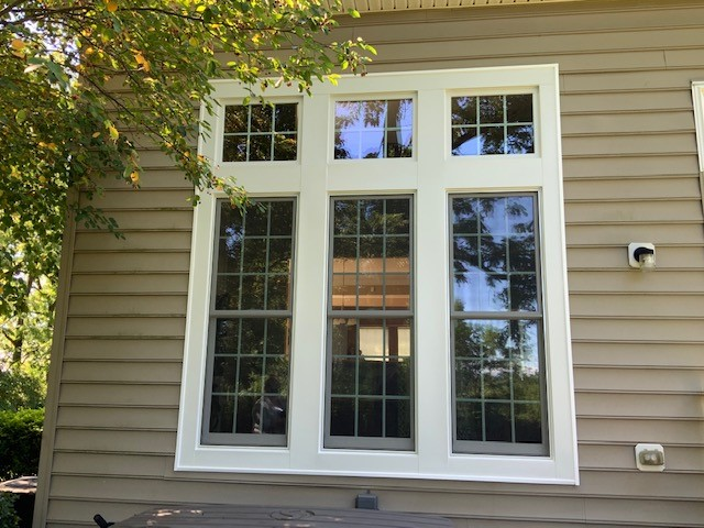 Allentown, PA - A lovely townhouse  got 3 double hung windows done on the bottom and 3 small picture windows.