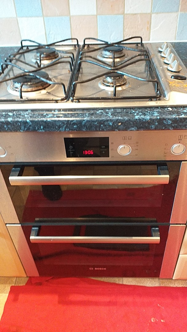 Sale, Greater Manchester - BOSCH D/O + HOB @ M33 3TR