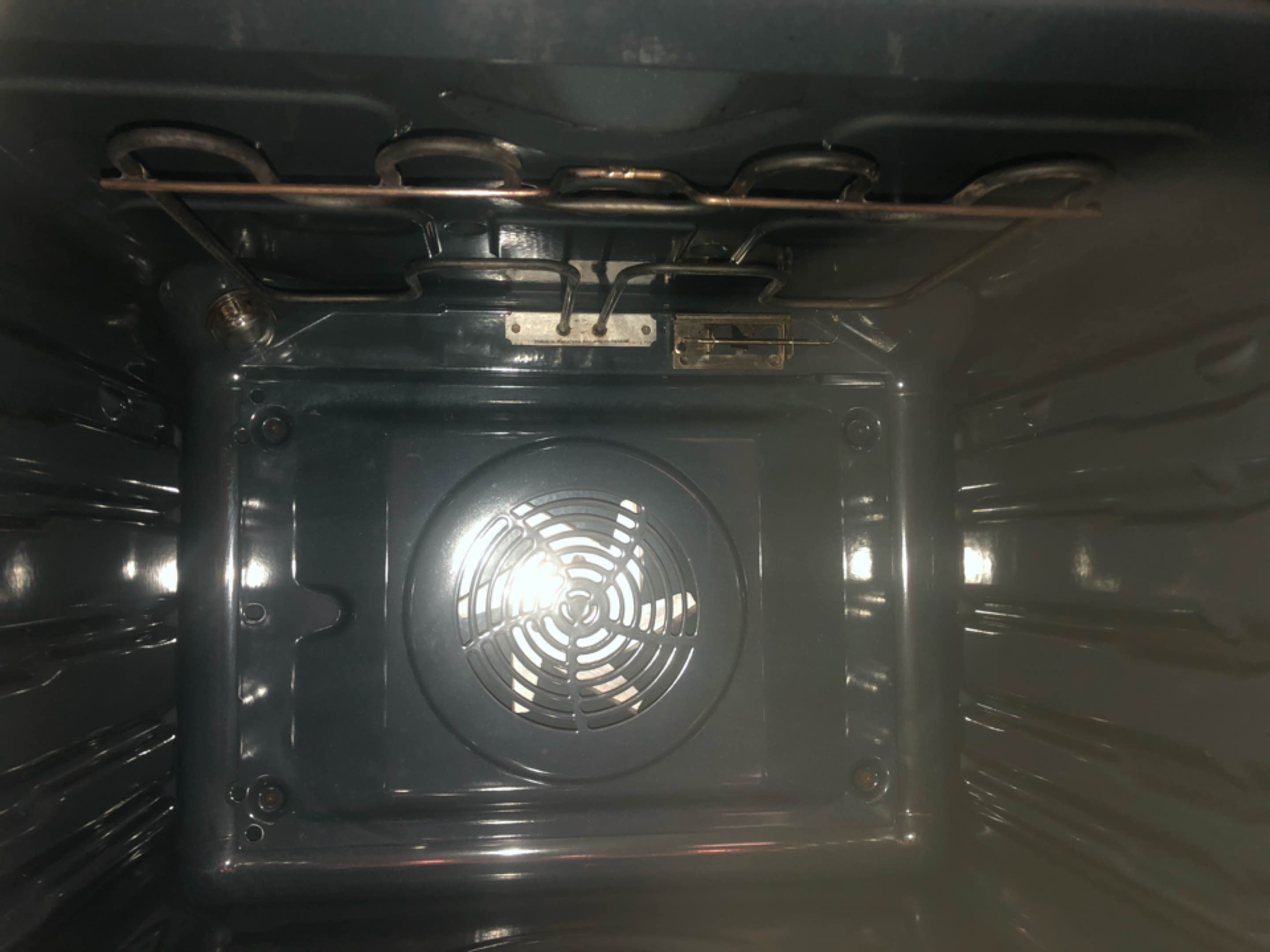 Wolverhampton, West Midlands - Single Zanussi oven & Extractor in Stockwell End WV6 9HT