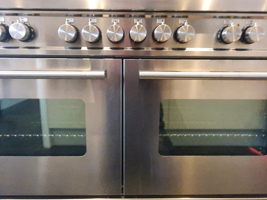 Cleaning a DOR OvenGleamers Cambridge West