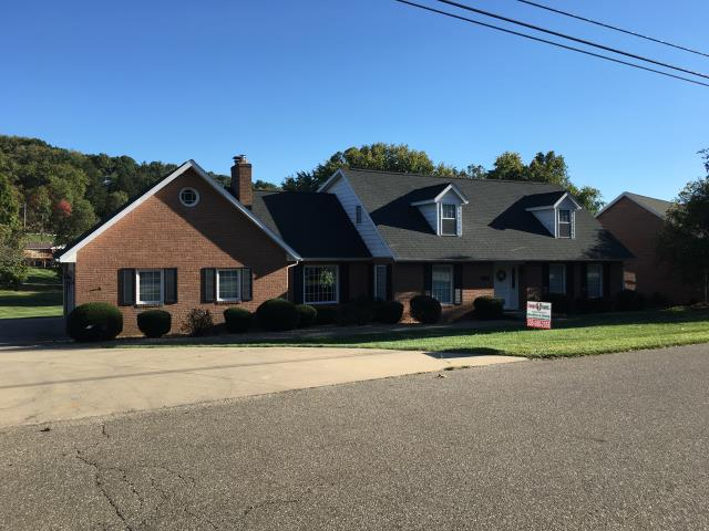 New Philadelphia, OH - Completed GAF charcoal Timberline HD shingle roof.