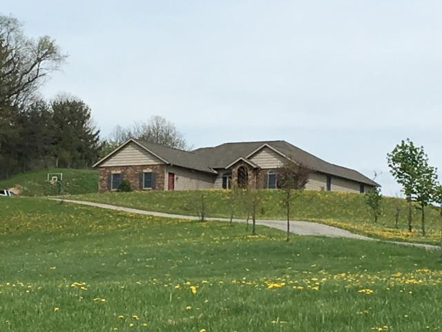 Dover, OH - A lovely home in the country with Timberline HD Weathered Wood shingles