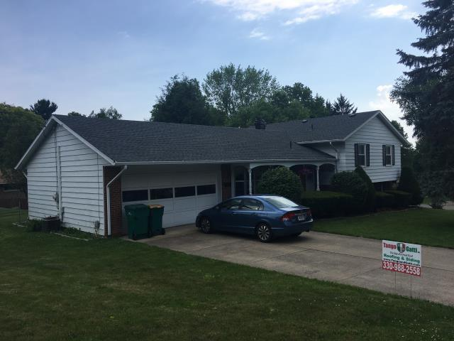 Wooster, OH - Take a look at this lovely split level home with  GAF HD Timberline Pewter Grey shingles