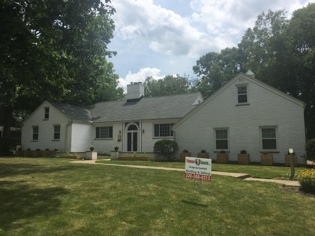 Medina, OH - What a majestic home, with the added beauty of GAF Timberline HD Slate singles.