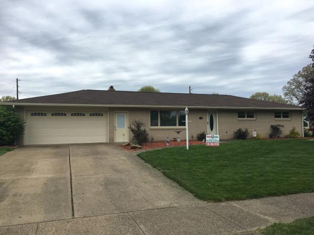New Philadelphia, OH - Check out this lovely home with GAF Timberline HD Hickory shingles