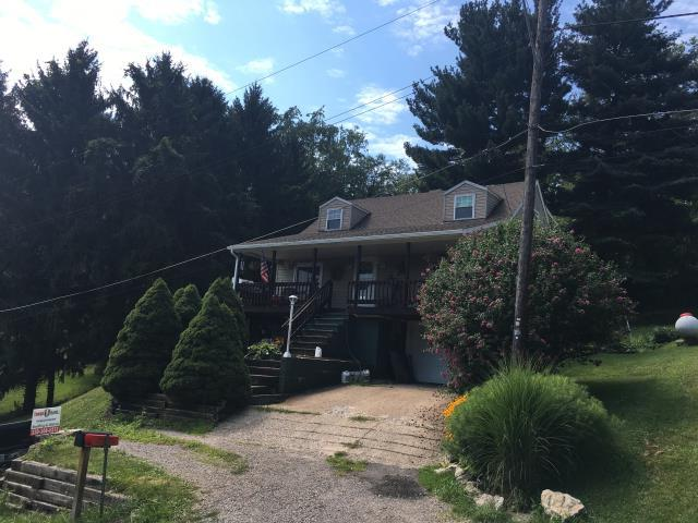 Adena, OH - Take a look at this cozy home with new GAF HD Timberline Barkwood shingles