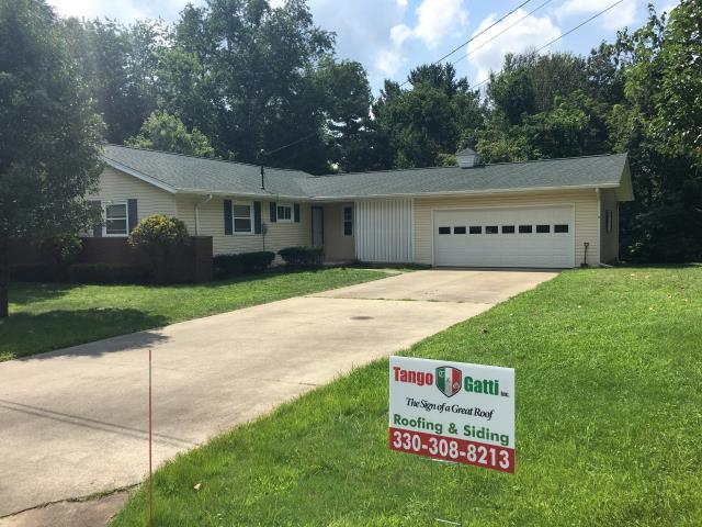 Dover, OH - Here is a handsome home with a new GAF HD Timberline Hunter Green roof