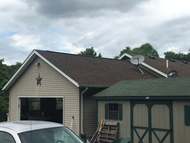 Sherrodsville, OH - What a great looking garage with GAF Timberline HD Hickory shingles