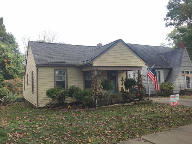 Uhrichsville, OH - Take a look at this charming home with a new GAF HD Weatheredwood roof!