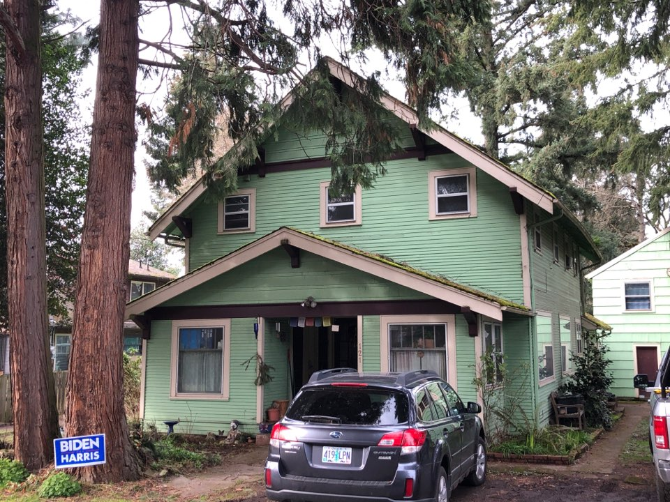 """Eugene, OR - Bidding to replace the """"Moss"""" roof with asphalt shingles vs metal."""