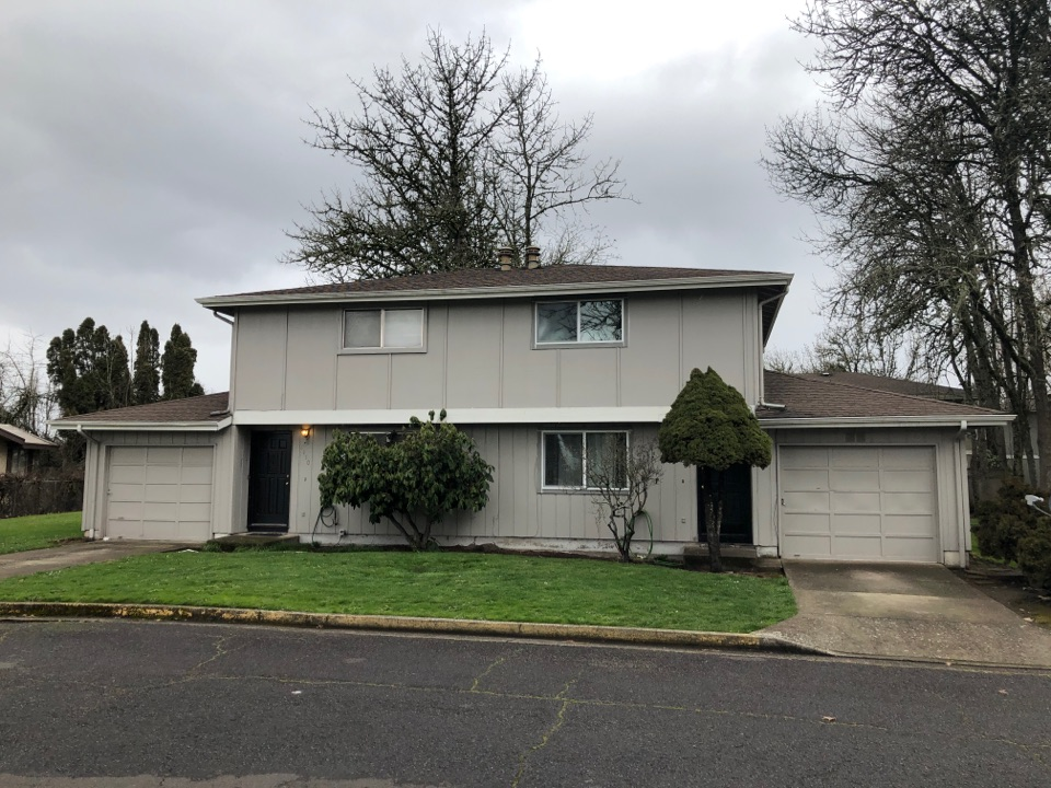 Eugene, OR - Looking to replace asphalt shingles with new asphalt shingle roof replacement.