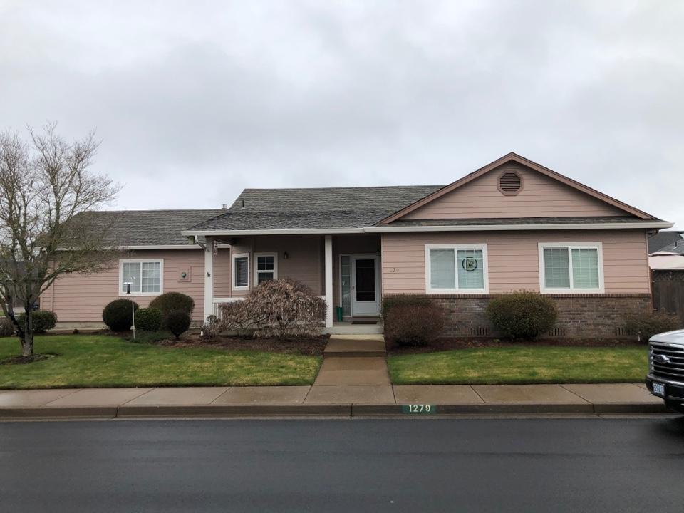 Eugene, OR - Asphalt shingle roof replacement bid.