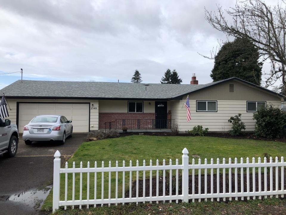 Springfield, OR - Asphalt shingle roof replacement bid.
