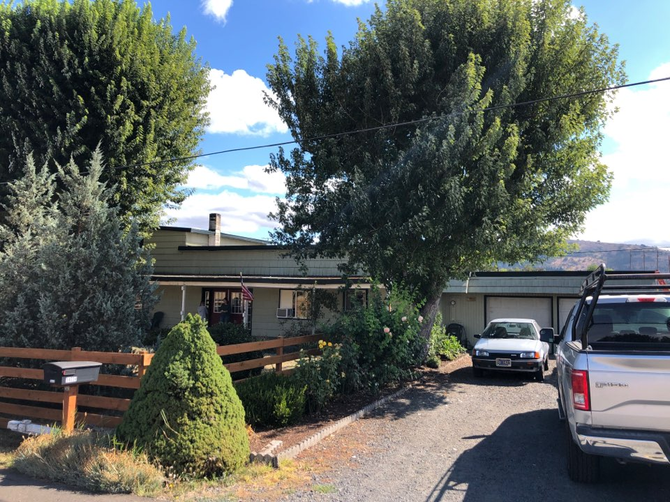 Eugene, OR - Bidding to replace asphalt shingles and membrane roofing