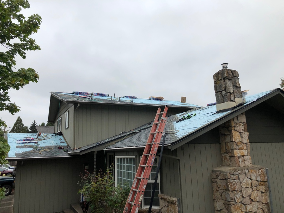 Springfield, OR - Install of GAF timberline HDZ architectural shingles in progress.