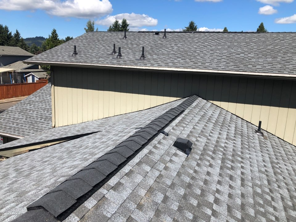 Springfield, OR - Just finished another Beautiful GAF Timberline HDZ shingle job.