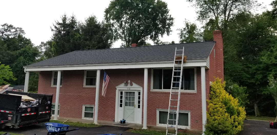 Abingdon, MD - GAF TimberlineHDZ in charcoal! GAF products= quality roof!