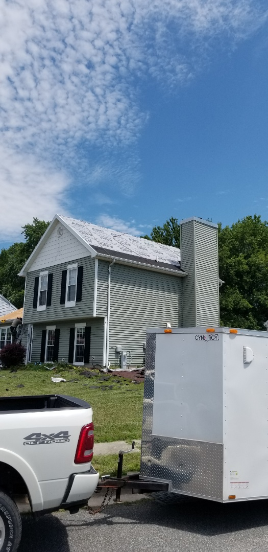 Middle River, MD - Roof replacement with Timberline HDZ color charcoal shingles.