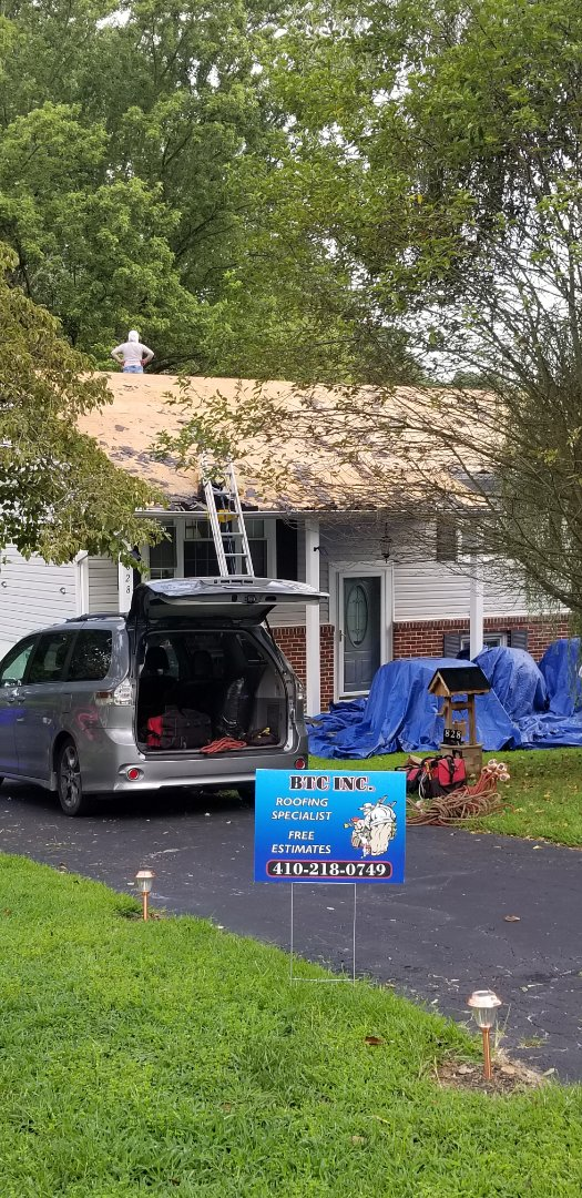 Aberdeen, MD - Roof replacement using GAF Timberline HDZ shingles in Williamsburg Slate.