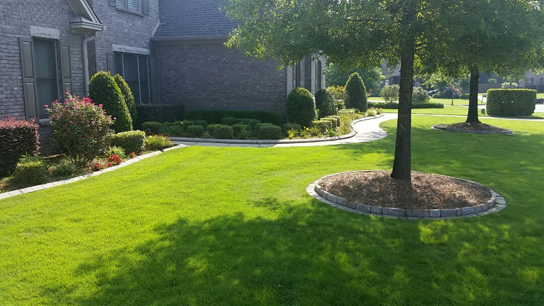 Montgomery, AL - Landscape pruning cleaning of perennial plants lawn mowing Garden maintenance