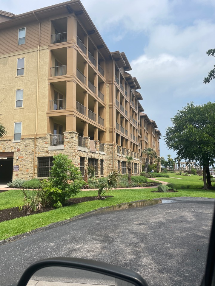 Kingsland, TX - Removed and replaced condominium cabinets. Residential
