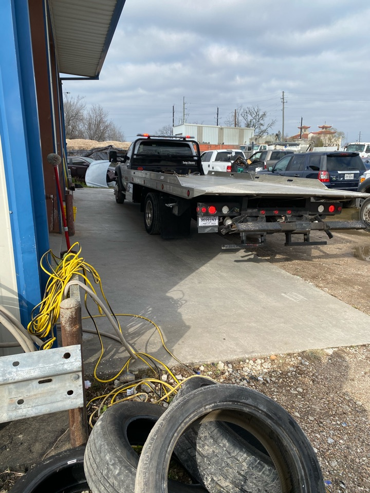 Hydraulic hose repair on towing  truck