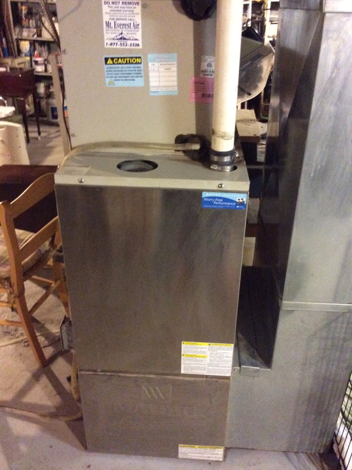 Fairmont City, IL - Scheduled maintenance on 2009 furnace and AC for a valued club member.