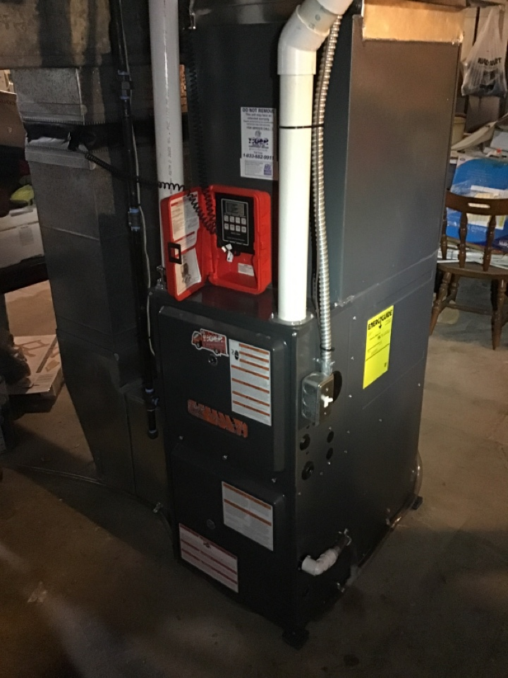 New Athens, IL - Installed new Tiger Signature Series gas furnace and air conditioner with static filter and digital thermostat.