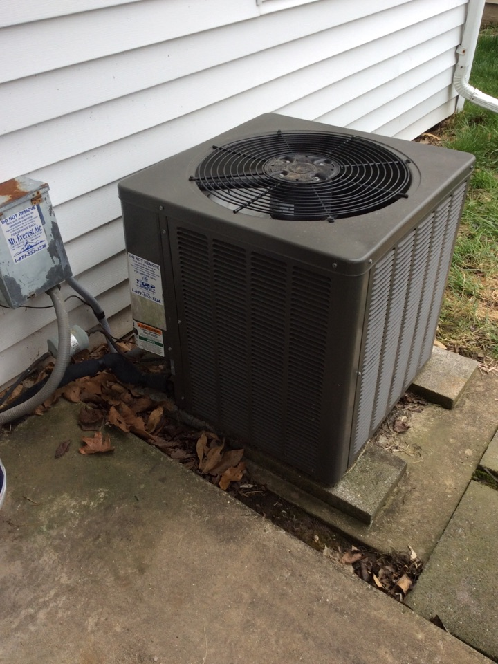 Greenville, IL - HVAC maintenance on a 2003 Weather King condenser and furnace.