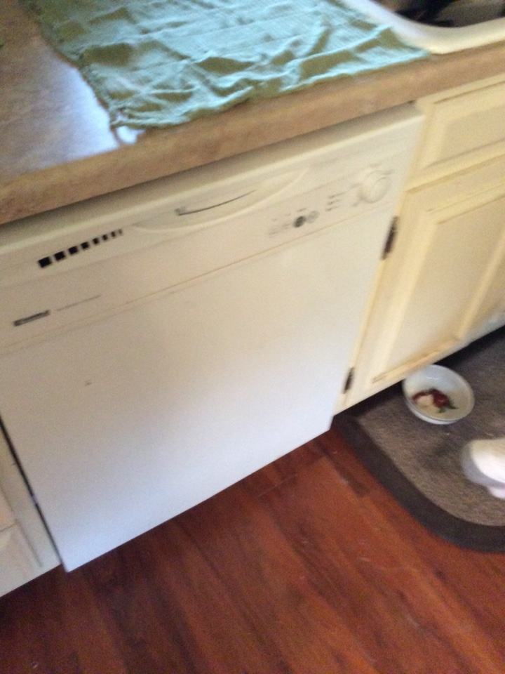 Hamel, IL - Plumbing service call. Replace laundry dish washer water line for valued club member.
