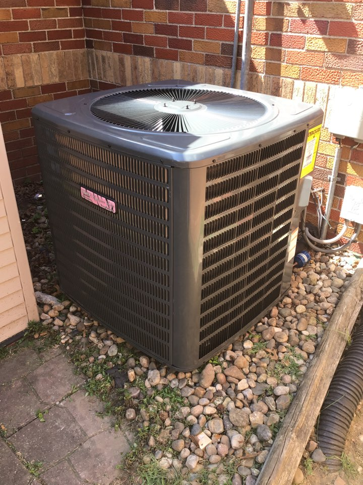 New Douglas, IL - Safety inspection and cleaning on Tiger Signature Series heat pump system.