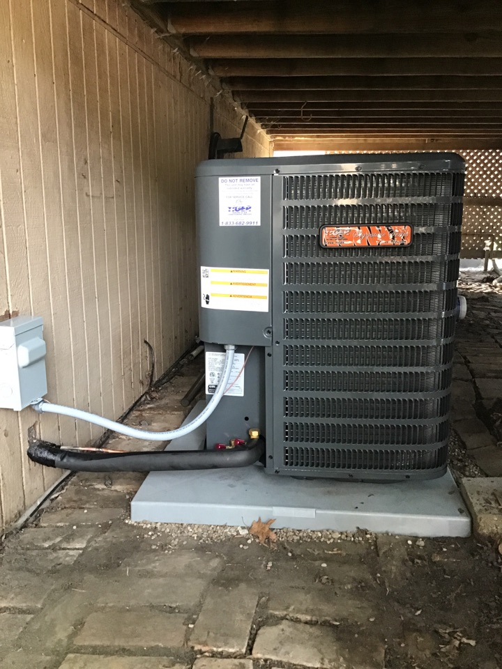 Normal, IL - Installation of a new Tiger Signature AC system.