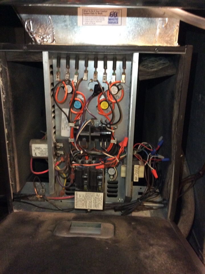 New Douglas, IL - Annual maintenance of the air conditioning system and the furnace, of a value club member as well as on humidifier and uv light. Rudd system.