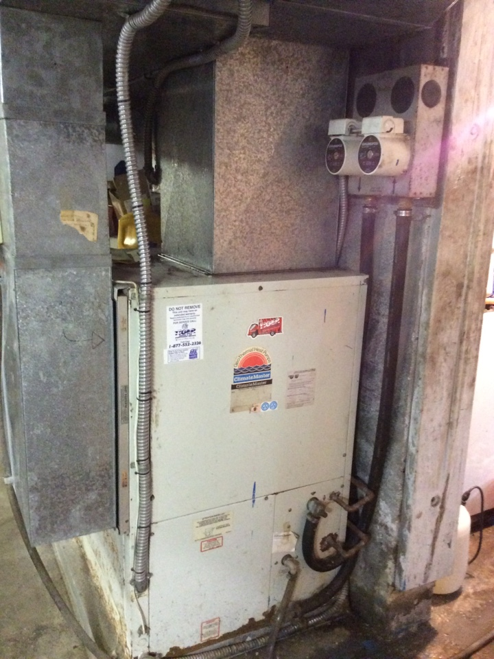 Staunton, IL - Performing a clean and check on a Cliimatemaster Geothermal system.