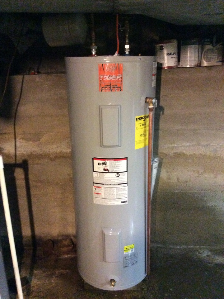 Greenville, IL - Plumber needed for a plumbing service call. Installing an electric water heater.