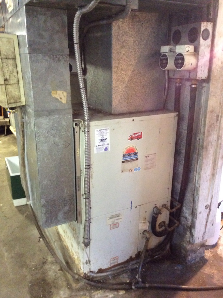 New Douglas, IL - Heating and air conditioning service call. Service tech needed to service ClimateMaster geothermal system