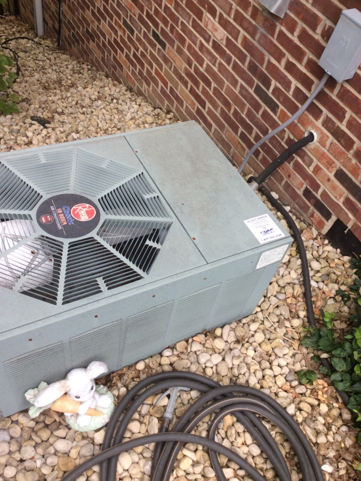 Freeburg, IL - Heating and air conditioning service call. Performing an annual AC safety inspection for a valued club member.