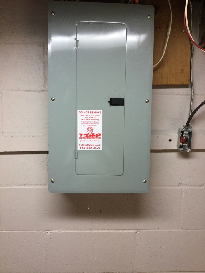 Shiloh, IL - Electrician needed to troubleshoot bathroom circuit