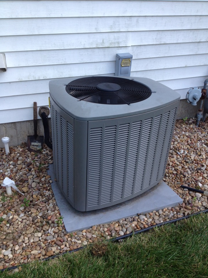 Venice, IL - Servicing  a trane ac adding freon