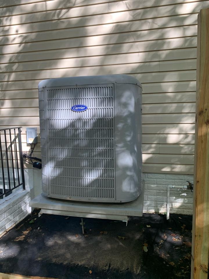 Springfield, VA - Performed preventive maintenance on Carrier Heat system system.