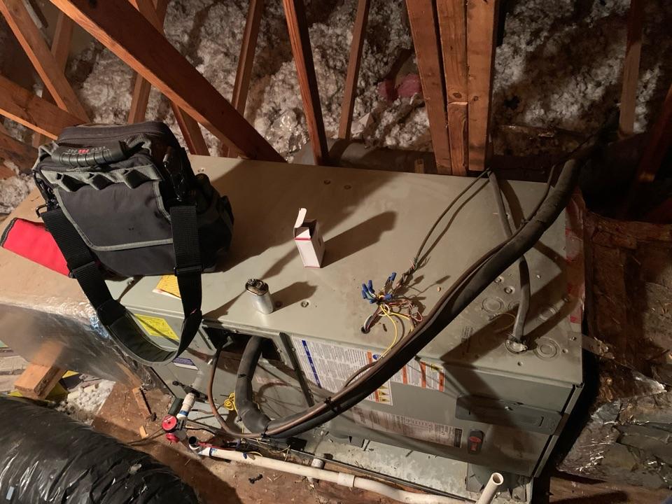 Diagnosing a Trane heat pump, blower not running.