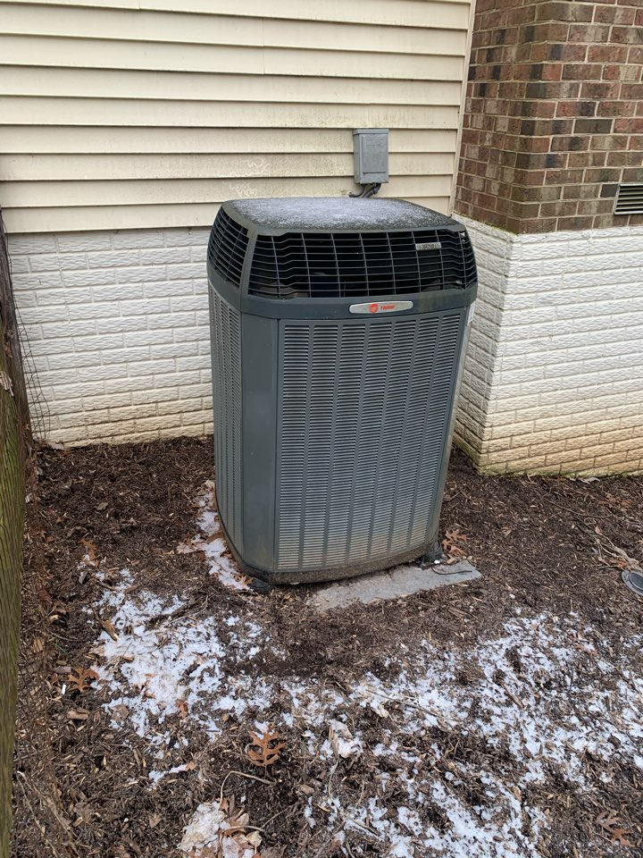 Reston, VA - Performing maintenance inspection on Trane XL16I heat pump.